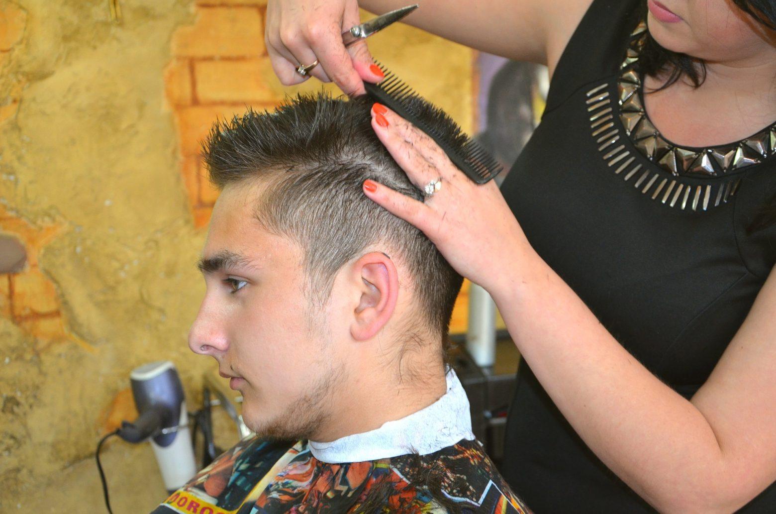 Conviértete en un peluquero a nivel profesional en la Universidad Provalliance de Madrid